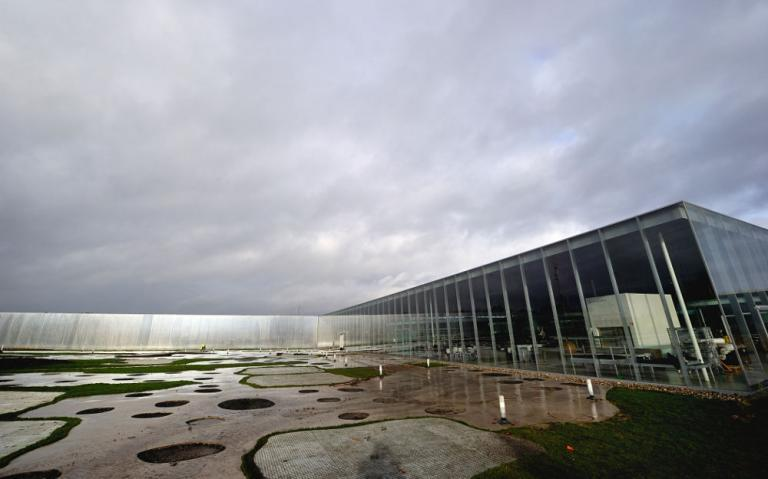 Louvre lens museum and other highlights on for Louvre lens museo
